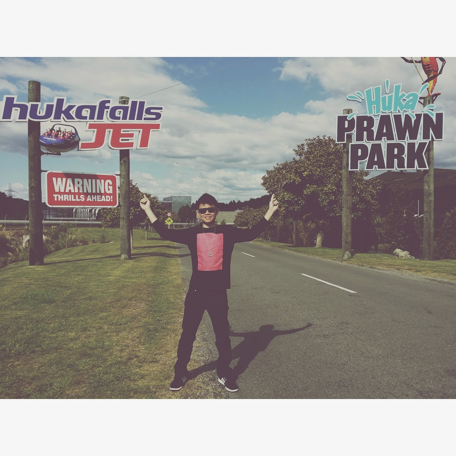 NZ: HUKAFALLS JET AND HUKA PRAWN PARK