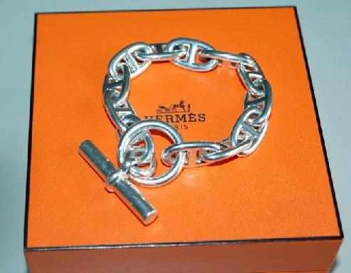 BIJOUX ET PIERRES PRECIEUSES  Le Bracelet Chaine d Ancre d Hermes ... 7c7c724e6fd