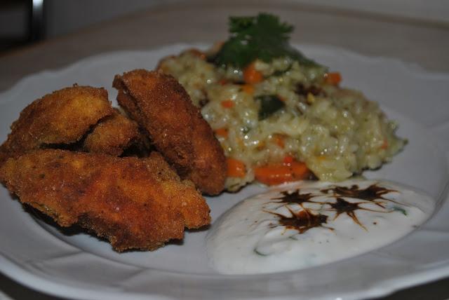 pilaf de orez cu legume, șnițel din piept de pui