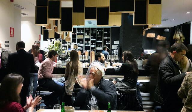 Sala de barra de Taberna Laredo - Tusolovive Madrid