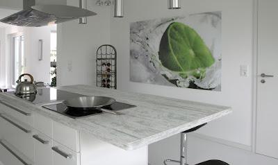 Weiße Küche Arbeitsplatte