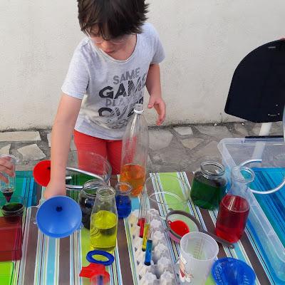 atelier activité enfant été eau dehors extérieur petits maternelle