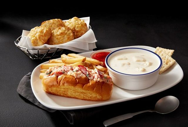 Red Lobster Launches New Lobster Roll as Part of New $9.99 Lunch Special | Brand Eating