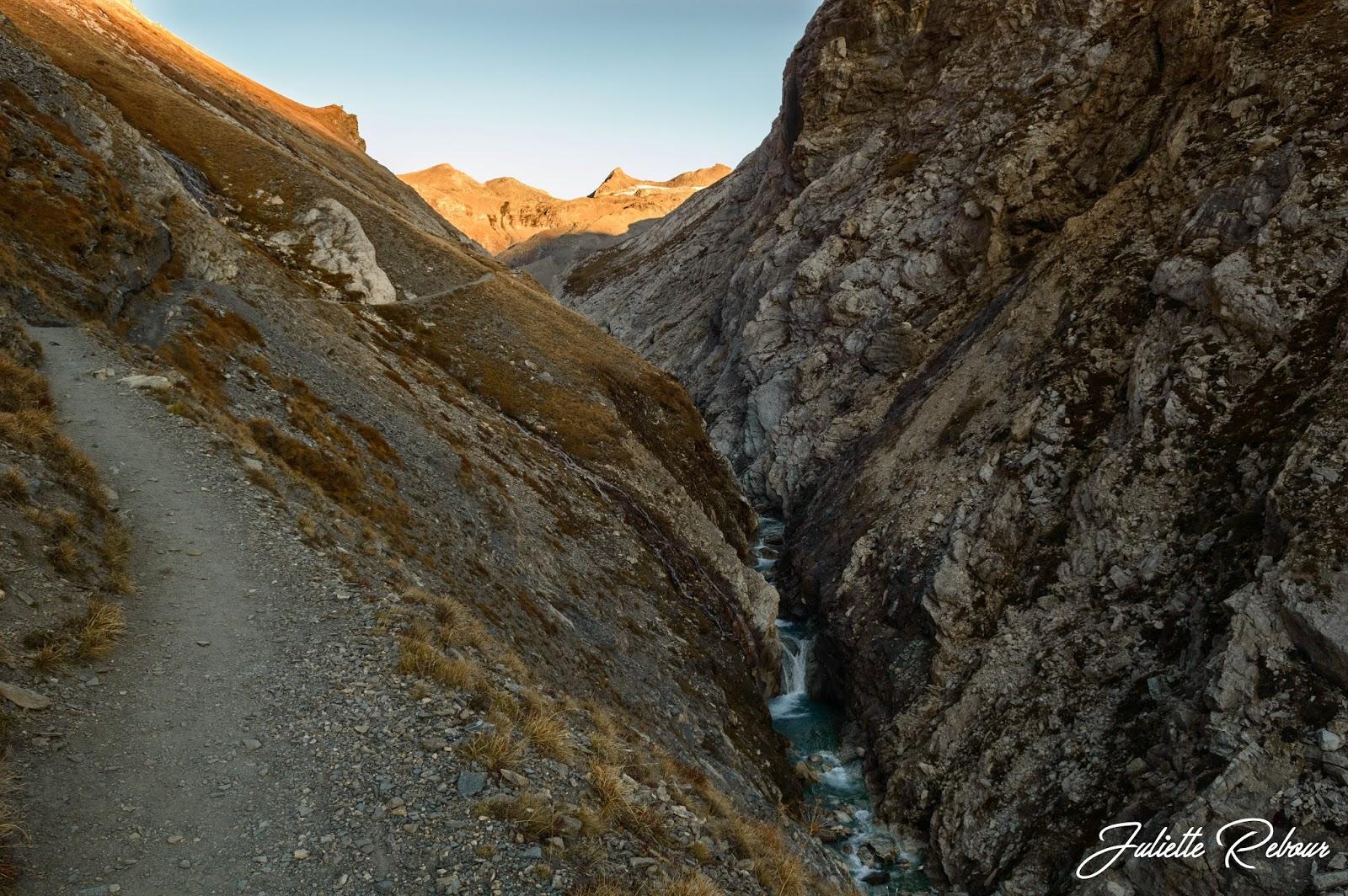 Randonnée dans les gorges de Malpasset