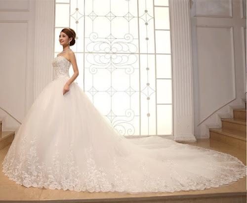 gaun pengantin putih modern samping