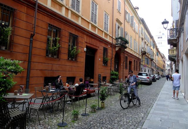 Modena street scenes - side street cafes