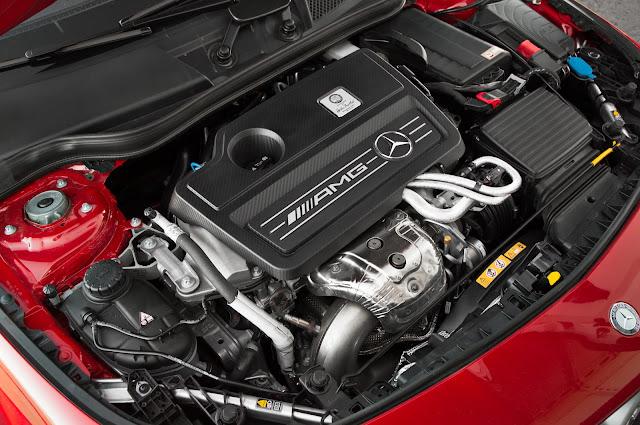 Động cơ Mercedes AMG CLA 45 4MATIC 2018 vận hành mạnh mẽ