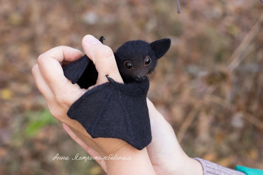 01-Bat-A-Yastrezhembovskaya-Felting-Wool-Animal-www-designstack-co