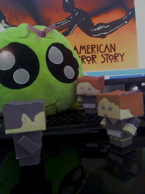 Cubeecraft de algunos personajes de AHS Murder House con plantilla para imprimir