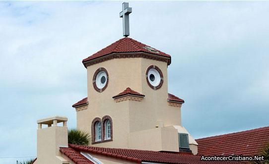 Iglesia que se parece a un pollo