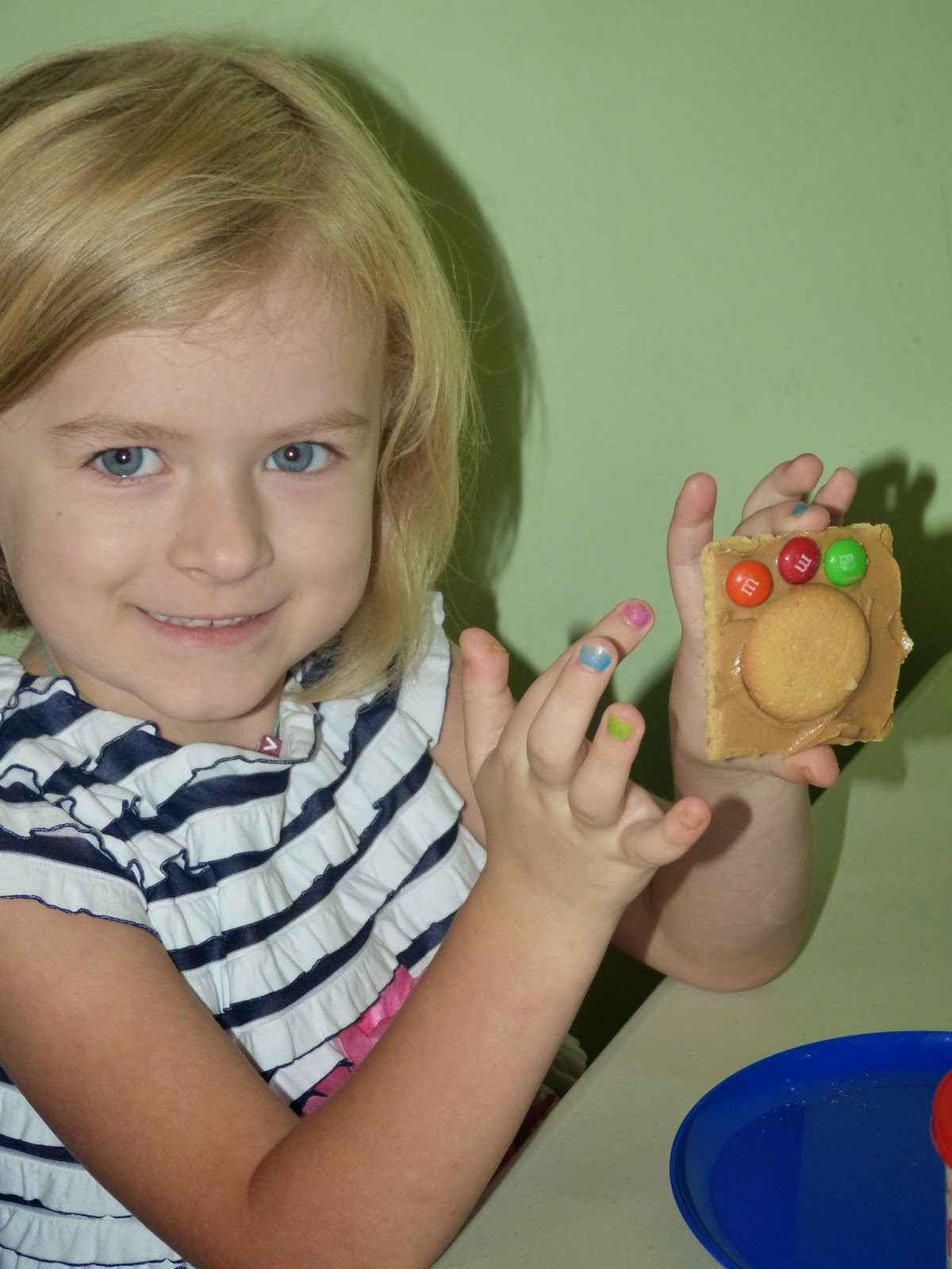 Fun ideas and activities for teaching the letter C to preschool and kindergarten students: C is for cookie!