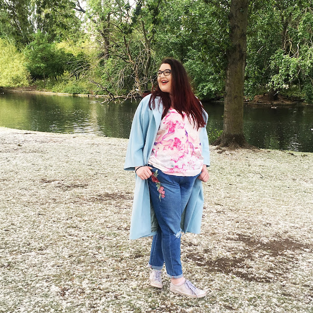 London Regents Park Baker Street Travelling Summer Outfit Plus Size Fashion Inspiration