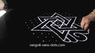 Sangu-kolam-with-dots-1211ag.jpg