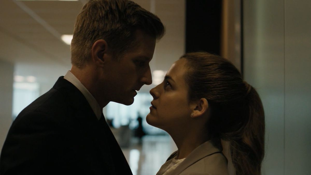 The-girlfriend-experience-starz-riley-keough-paul-sparks