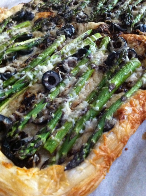 This Is What S Up Caramelized Onion Tart With Asparagus