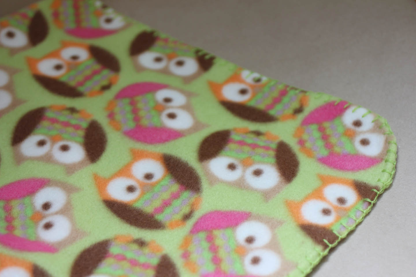 project linus blankets Baby blanket tutorial - baby shower gift idea i need a sewing machine find this pin and more on project linus by lauraheanes easy baby blanket tutorial- minky blanket w/ rounded edges.