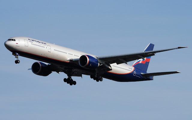 aeroflot boeing 777-300er approaching landing