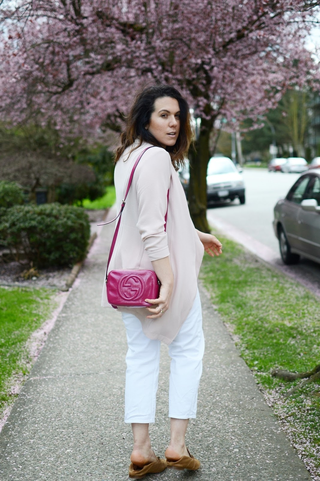 Le chateau blush trench coat outfit gucci disco bag vancouver blogger