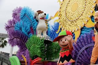 Universal RE-BOOOOOOOORN Parade