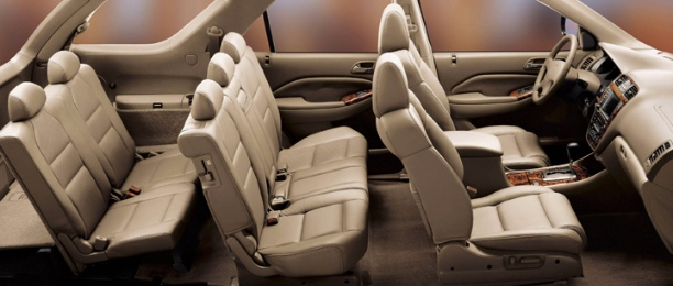 Its Intelligent Body Design And Compact Engine E Makes The 7 Seater Vehicle Roomy Comfortable To Seat In Though Third Row Is Designed Occupy