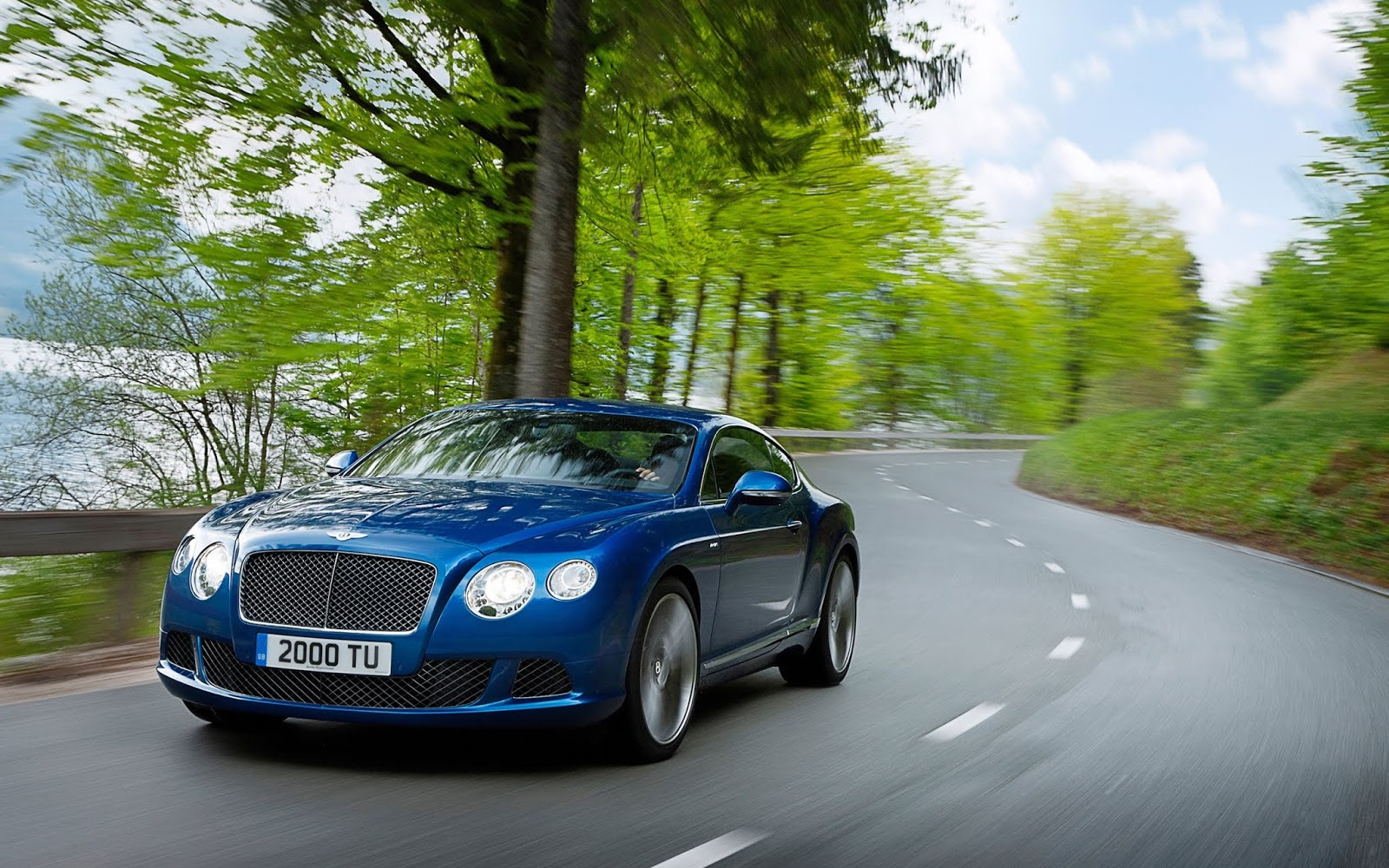 Top 10 Bentley Car Hd Wallpaper Images Pictures Greetings For