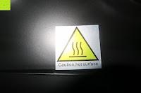 Symbol: Andrew James – 23 Liter Mini Ofen und Grill mit 2 Kochplatten in Schwarz – 2900 Watt – 2 Jahre Garantie