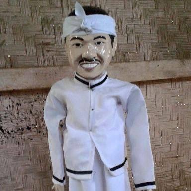 wayang golek custom karakter wajah mirip Dedi Mulyadi