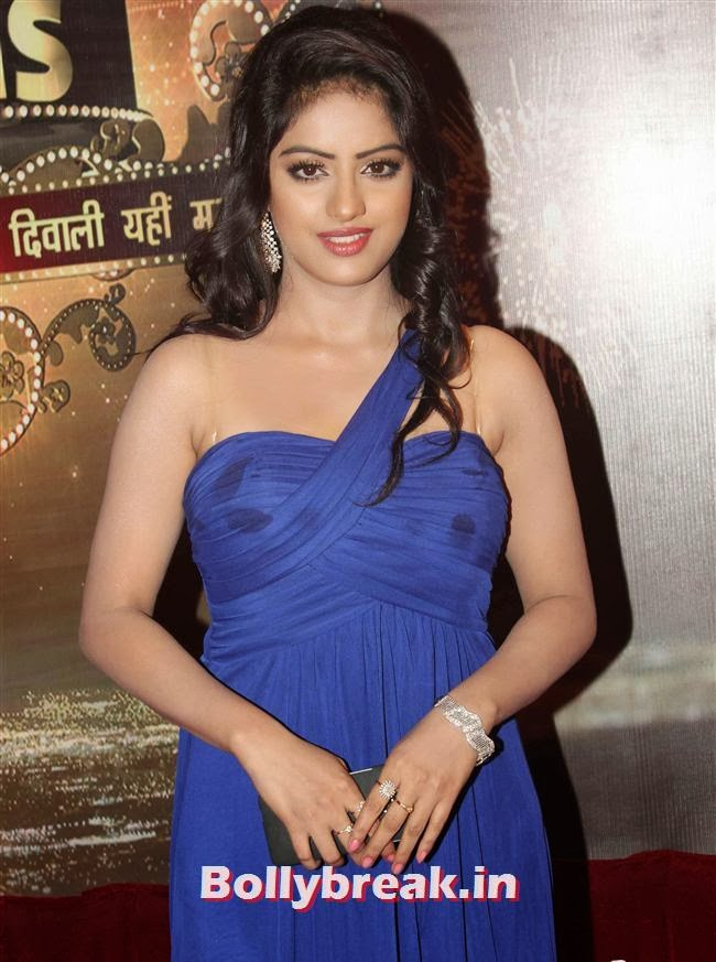 Deepika Singh, ITA Awards 2013 - Red Carpet Pics