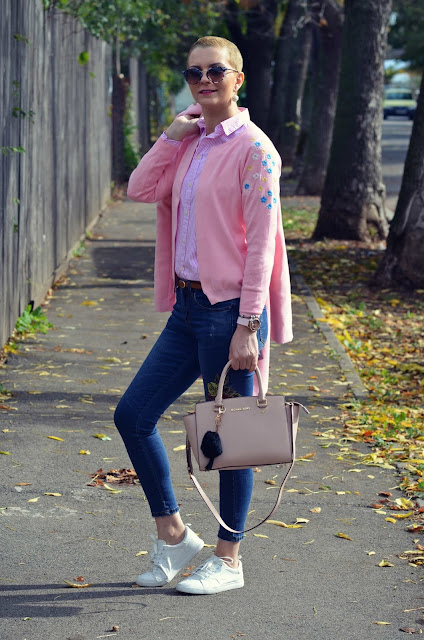 https://www.rosegal.com/sweaters/ribbed-embroidered-cardigan-1260574.html?lkid=200485