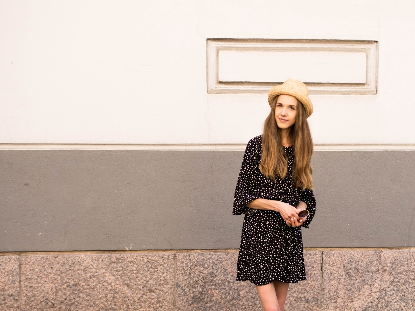 fashion-blogger-summer-outfit-polka-dot-dress