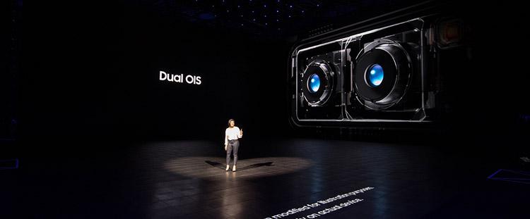 Dual camera dengan fitur OIS (Optical Image Stabilization)