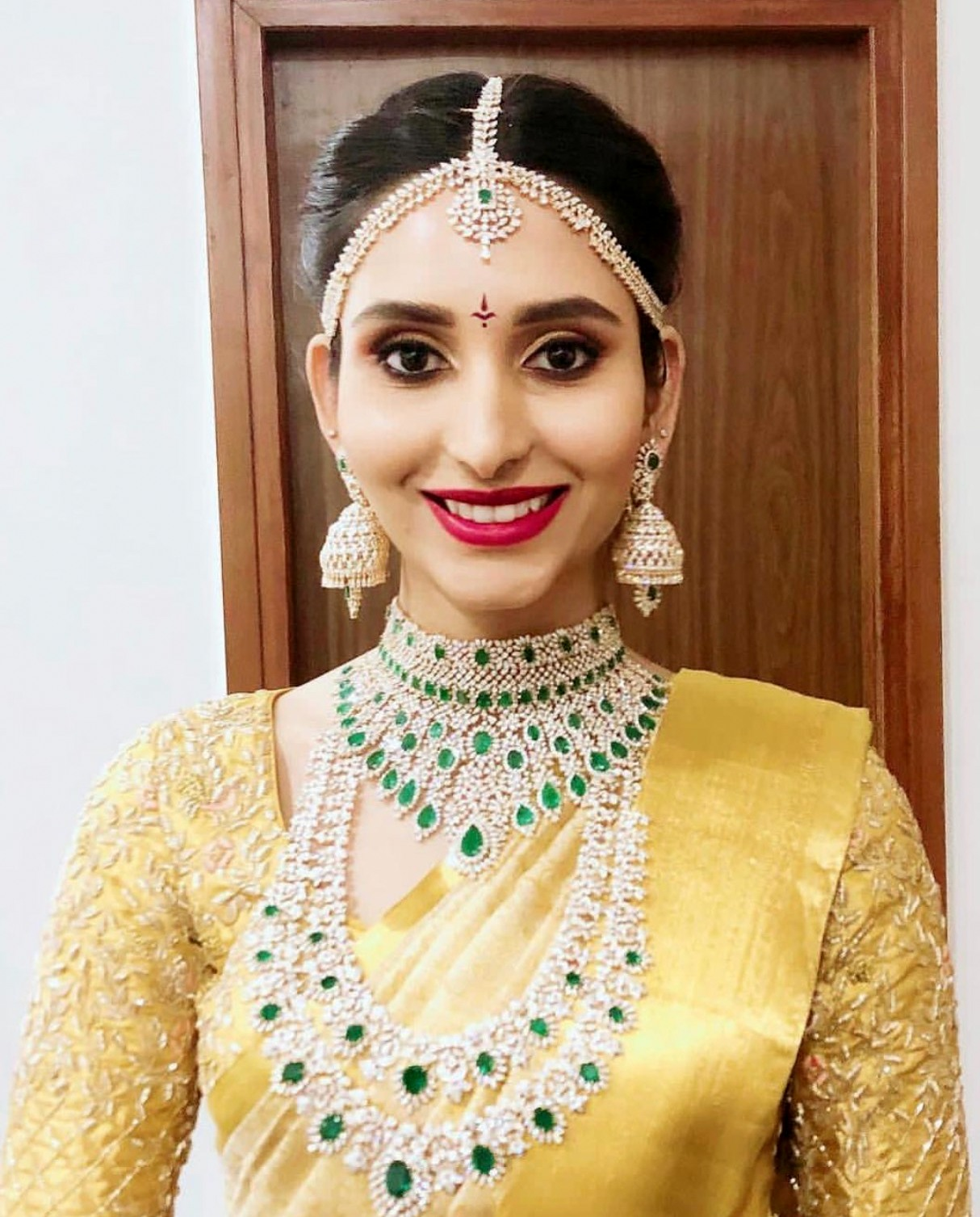 Bride in Heavy Emerald Diamond Sets - Jewellery Designs