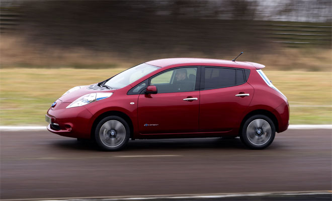 2013 Nissan Leaf on the move