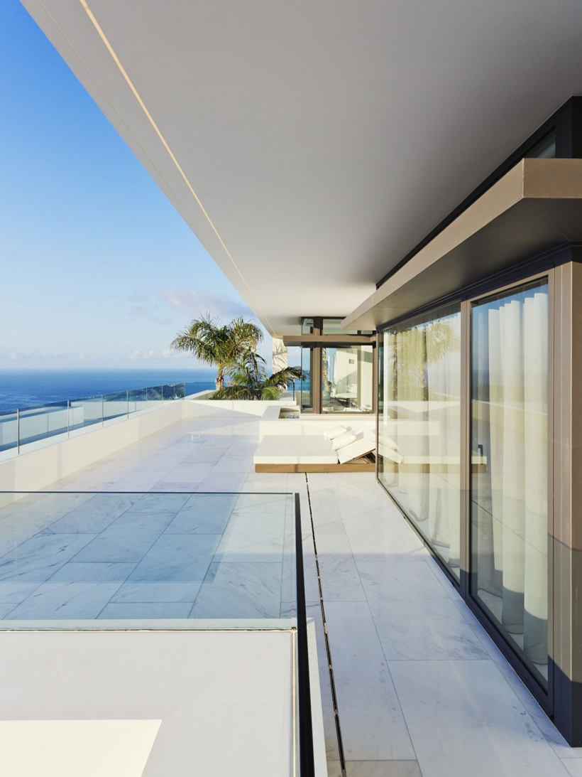 Large modern terrace with ocean view