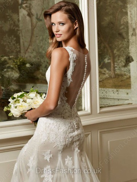 http://www.dressfashion.co.uk/product/great-trumpet-mermaid-ivory-tulle-appliques-lace-sweep-train-wedding-dress-ukm00022176-13774.html?utm_source=minipost&utm_medium=1173&utm_campaign=blog