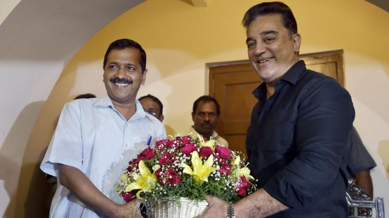 Arvind Kejriwal Age, Wiki, Biography, Twitter, Height, Weight, Wife, Family in Hindi