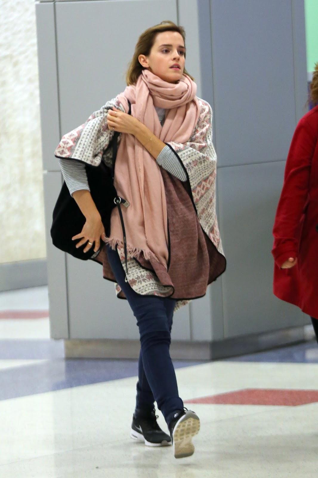 Emma Watson Updates: Emma Watson at JFK airport [April 03 ... эмма уотсон инстаграм