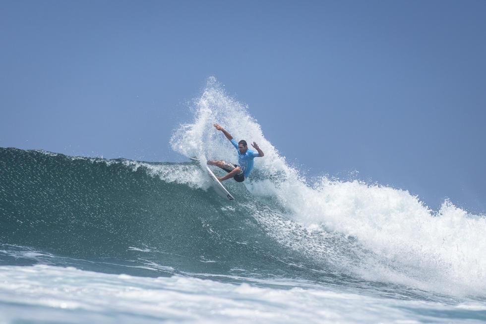 16 Gony Zubizarreta ESP Martinique Surf Pro foto WSL Poullenot Aquashot