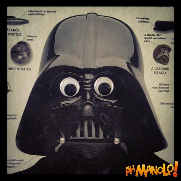 Darth Vader com os olhos arregalados ... Eu simplesmente não consigo parar de rir
