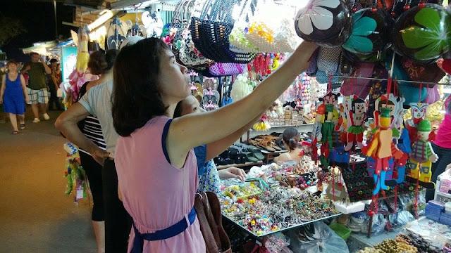 Top 10 popular night markets in Vietnam 6