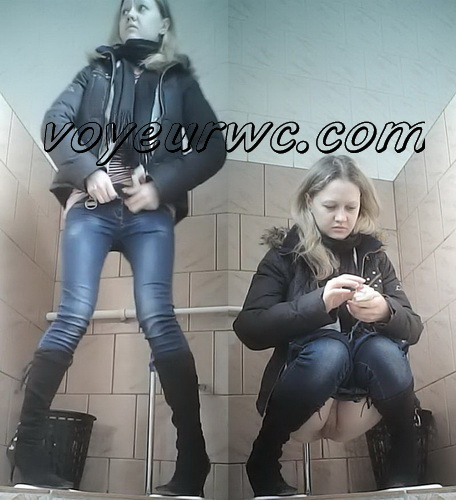 VB Piss 1977-1987 (Nurses pissing in the toilet of a clinic. Hidden camera in the women's restroom and pissing сollege girls)