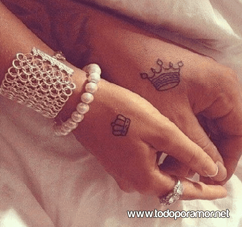 10 mini tatuajes para compartir con tu pareja todo por amor. Black Bedroom Furniture Sets. Home Design Ideas