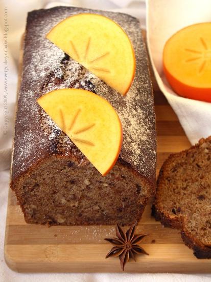słodki korzenny chlebek z orzechami i persymoną