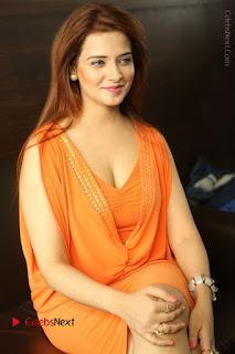 Actress Saloni Aswani Pos in Short Dress at Meelo Evaru Koteeswarudu Movie Interview  0159.JPG