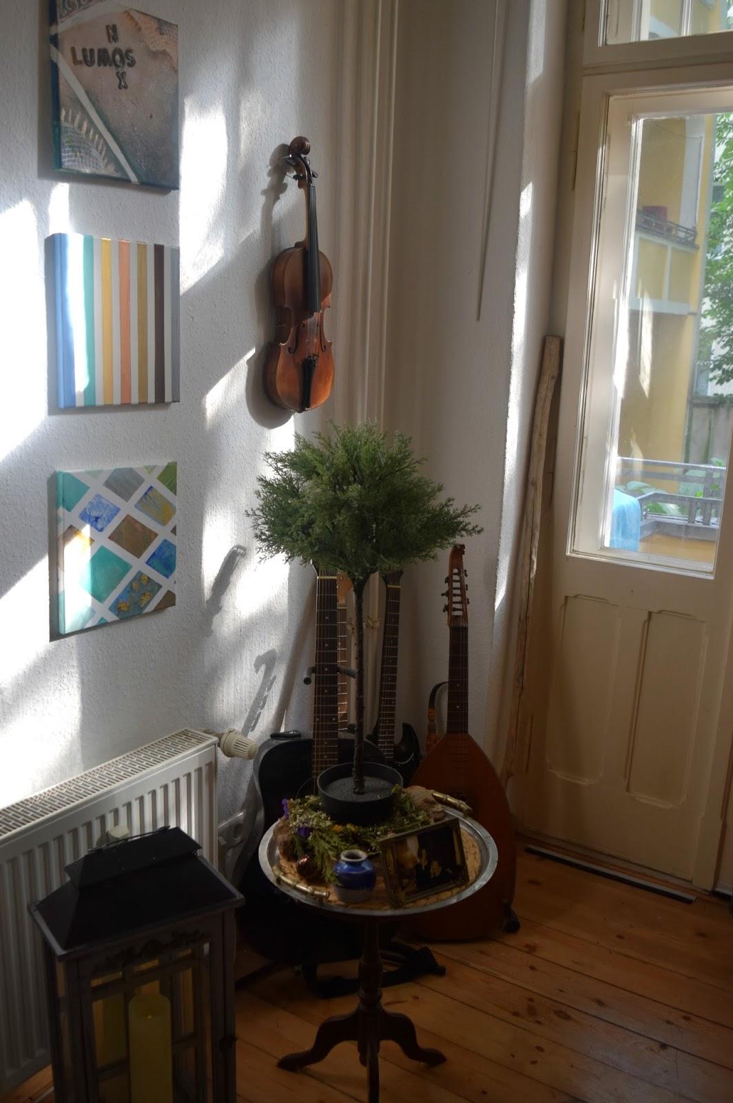 Berlebenskunst leinwand dekorieren einfache wanddeko for Leinwand dekorieren