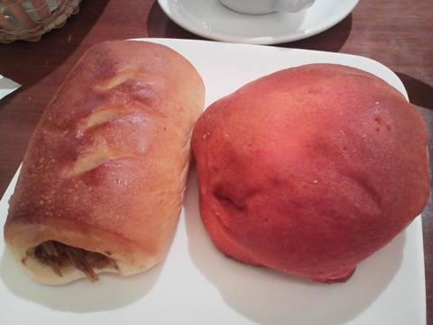 焼きそばパン&かぼちゃクッキーパン アクア・パラディーゾ