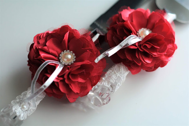 Bridal Accessories Including Cake Knives