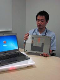 ワイヤレス充電コンセプト・机に置くだけで機器を充電!