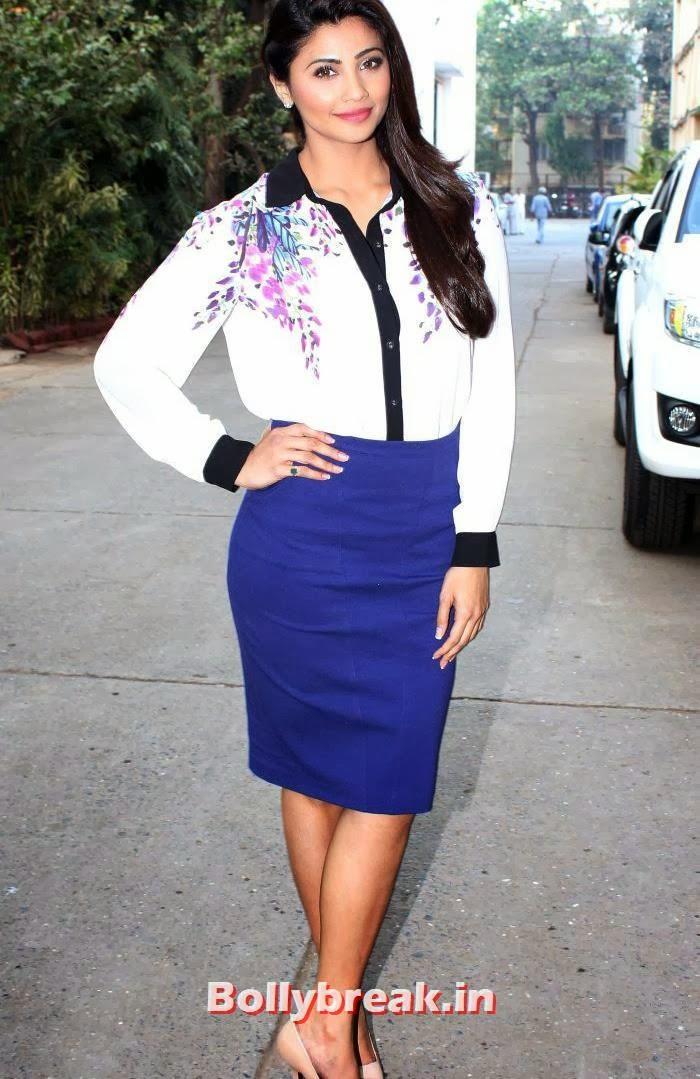 , Daisy Shah Promotes 'Jai Ho' - Hot Pics
