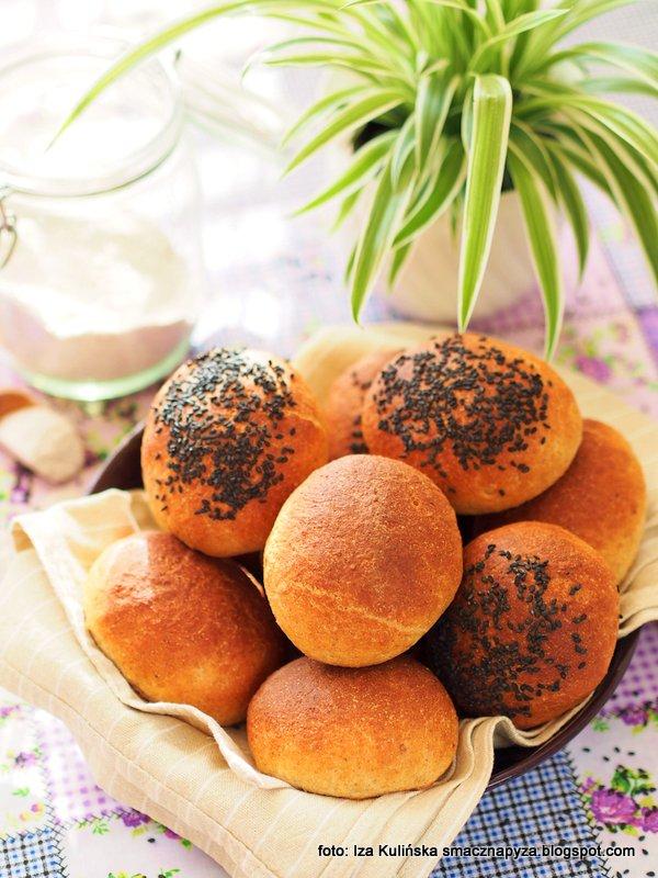 bulki na twarozku, twarozek wiejski, graham, maka pelnoziarnista pszenna, domowa piekarnia, upiecz sobie bulki, na sniadanie, domowe pieczywo